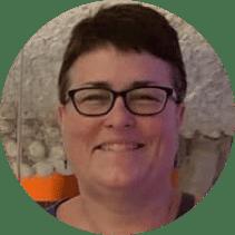 Beth Everett headshot